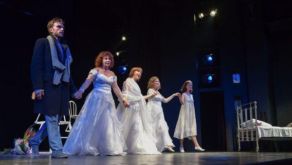 Спектакль Три высокие женщины - Sputnik Аҧсны