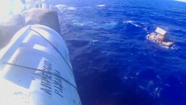 Юный индонезиец 49 дней дрейфовал в океане - Sputnik Абхазия
