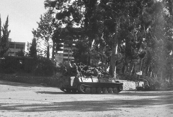 21-26 сентября - уличные бои в Сухуме, успешные операции на Очамчырском фронте. - Sputnik Абхазия