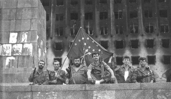 30 сентября – освобождена вся Абхазия. Абхазский флаг установлен на Ингуре. - Sputnik Абхазия