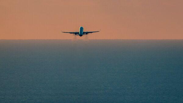 Самолет Boeing 737-800. Архивное фото - Sputnik Аҧсны