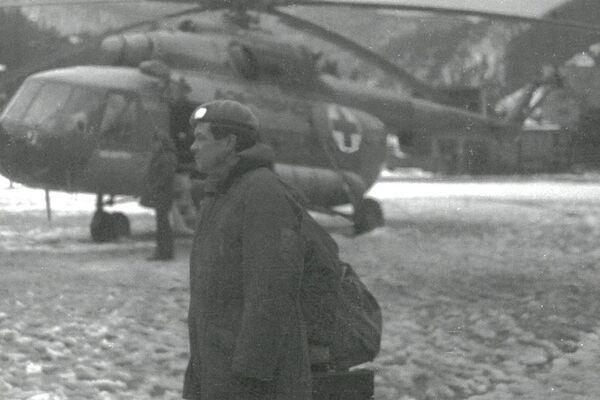 24 мая грузинская сторона сбила российский вертолет Ми-8 с гуманитарным грузом для блокированного Ткуарчала. Пять членов экипажа погибли. - Sputnik Абхазия