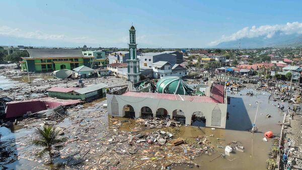 Обрушившаяся мечеть в городе Палу на острове Сулавеси в Индонезии, где прошло разрушительное землетрясение и цунами. 30 сентября 2018 года - Sputnik Абхазия