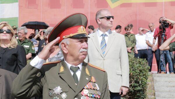 Легенды и современность: что показали на параде Победы в Сухуме - Sputnik Абхазия