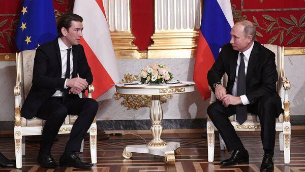 Рабочая поездка президента РФ В. Путина в Санкт-Петербург - Sputnik Аҧсны