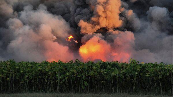 Пожар на военном складе в Харьковской области - Sputnik Абхазия