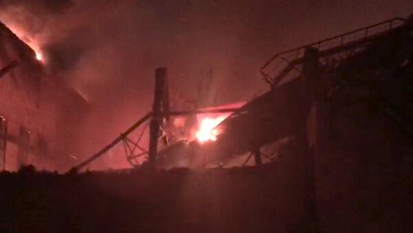 Пожар на Электроцинке - Sputnik Абхазия