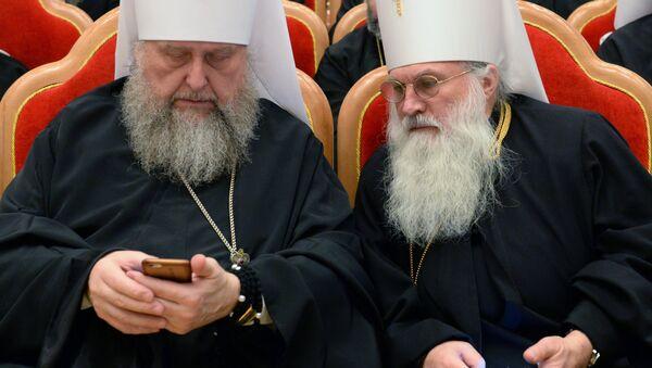 Православные архиереи с мобильными телефонами - Sputnik Абхазия
