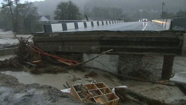 Как устраняют последствия обильного паводка в Сочи - Sputnik Абхазия