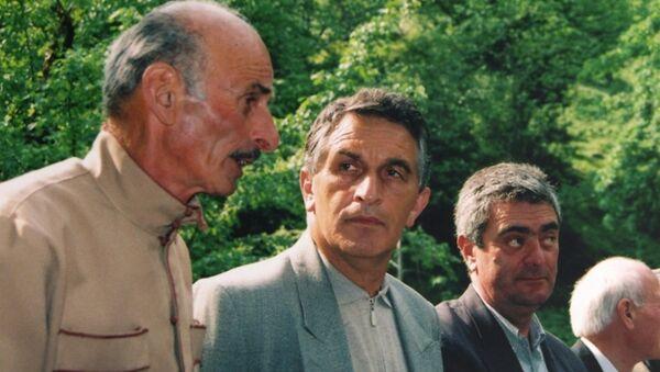 Заур Чичба с Владиславом Ардзинба - Sputnik Абхазия