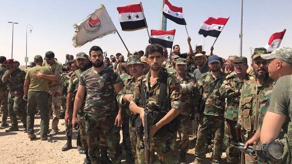 Сирийские войска прорвали кольцо окружения на главном южном въезде в Дейр-эз-Зор - Sputnik Абхазия
