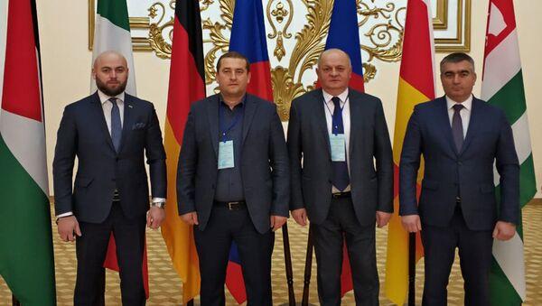 Наблюдатели от Абхазии на выборах в ЛНР - Sputnik Аҧсны
