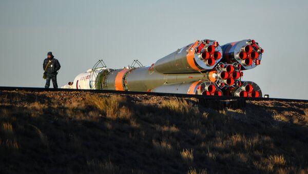 Вывоз РКН Союз-ФГ с ТПК «Союз МС-10» - Sputnik Аҧсны
