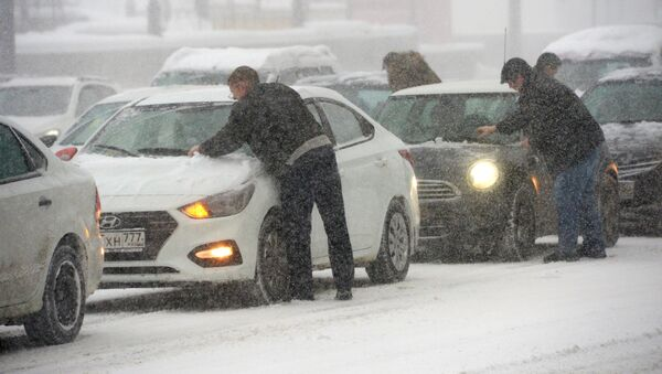 Снегопад в Москве - Sputnik Абхазия