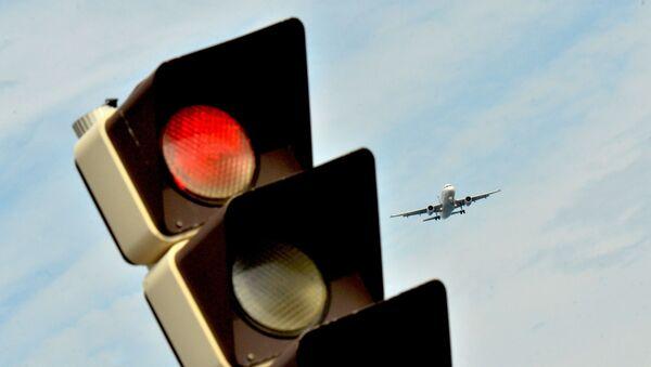 Самолет заходит на посадку - Sputnik Аҧсны