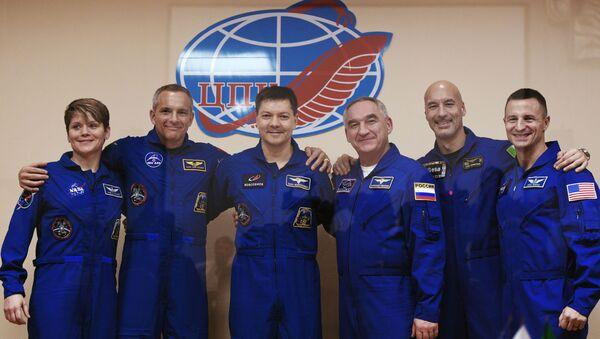 Экипаж МКС-58/59 на Байконуре - Sputnik Абхазия