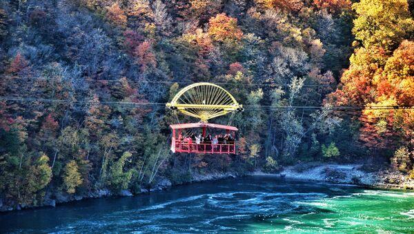 Подвесная дорога над Ниагарским водоворотом в Канаде - Sputnik Абхазия