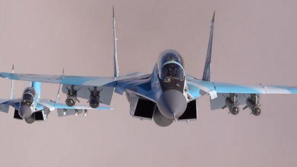 Кадры испытаний новейших истребителей МиГ-35 - Sputnik Аҧсны