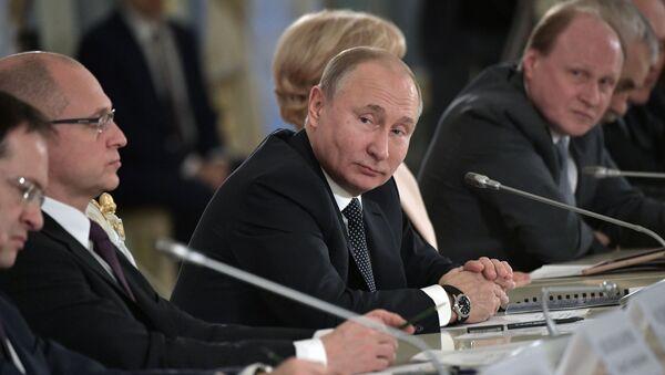 Президент РФ Владимир Путин на заседании Совета при президенте РФ по культуре и искусству,15 декабря 2018 - Sputnik Абхазия