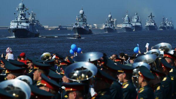 Корабли ВМФ России на главном военно-морском параде в Кронштадте - Sputnik Абхазия