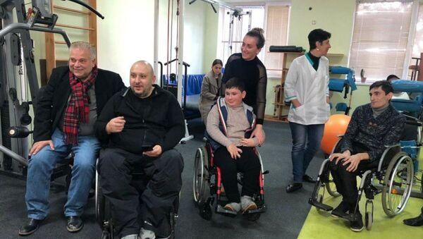 Передача инвалидных колясок - Sputnik Аҧсны