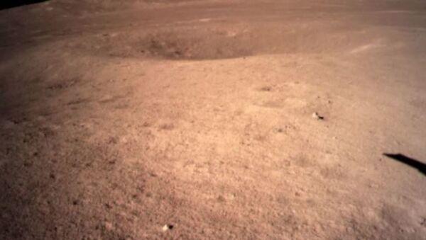 Чанъэ-4 сделал первый снимок обратной стороны Луны - Sputnik Абхазия
