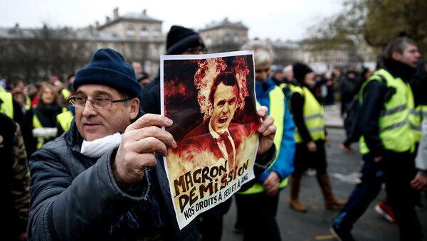 Акция протеста желтых жилетов в Париже - Sputnik Абхазия