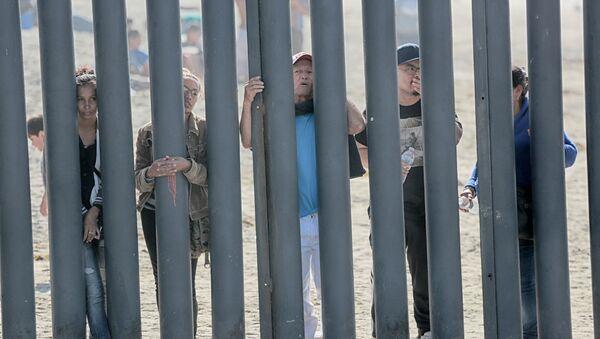 Стена на границе с Мексикой - Sputnik Абхазия