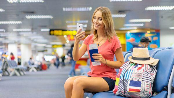 Девушка в аэропорту - Sputnik Абхазия