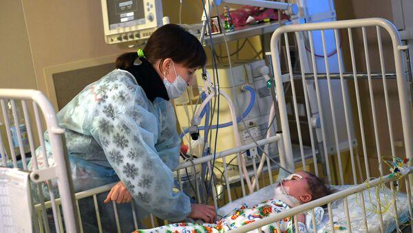 11-ти месячный Ваня Фокин в НИИ неотложной детской хирургии и травматологии  - Sputnik Абхазия