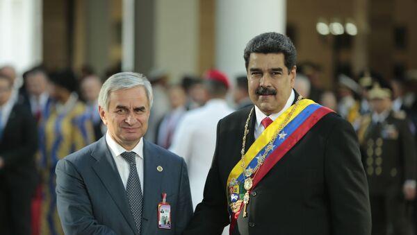 Президент Республики Абхазия Рауль Хаджимба с Президентом Боливарианской Республики Венесуэла Николасом Мадуро - Sputnik Абхазия