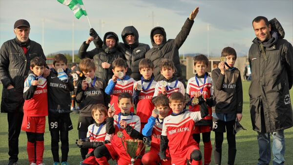Детский футбольный клуб Леон из Гагры на всероссийском футбольном турнире Hopes cup Christmas holidays cup 2019 - Sputnik Абхазия