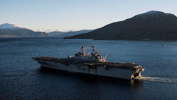 Американский десантный корабль - Sputnik Абхазия