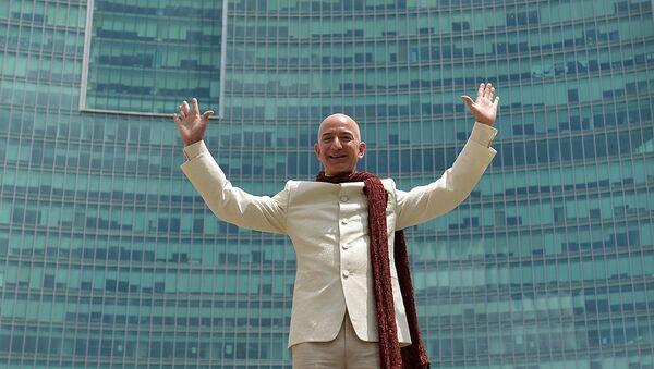 Американский предприниматель, глава Amazon.com Джефф Безос. Архивное фото - Sputnik Абхазия