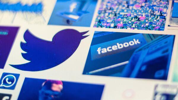 Логотипы Facebook и Twitter - Sputnik Абхазия
