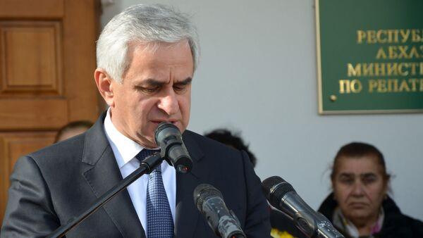 Президент Рауль Хаджимба на Церемония открытии памятника генералу Уалиду Маршан - Sputnik Аҧсны
