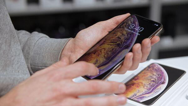 Старт продаж в России iPhone XS и XS Max - Sputnik Абхазия