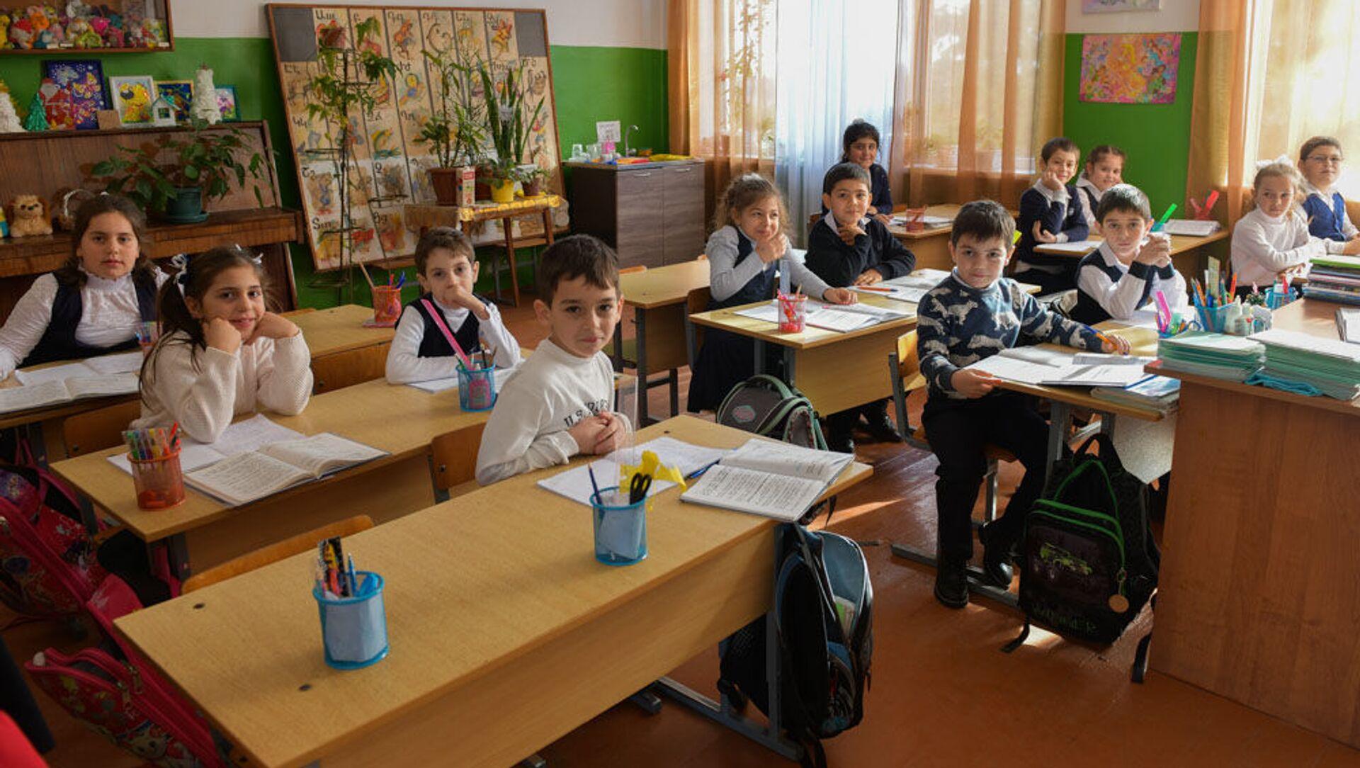 Цанбекуарская средняя школа - Sputnik Аҧсны, 1920, 28.09.2021