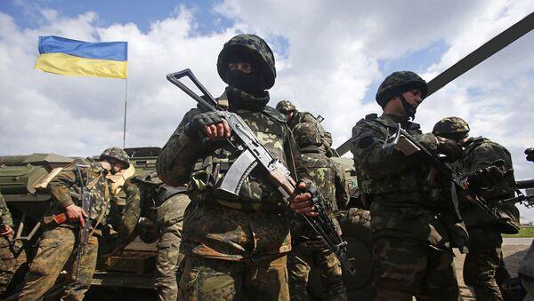 Украинские военные на линии разграничения в Донбассе - Sputnik Абхазия