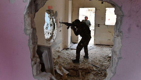 Во время подготовки сирийских военнослужащих и бойцов ополчения российскими военными инструкторами в провинции Хама - Sputnik Абхазия