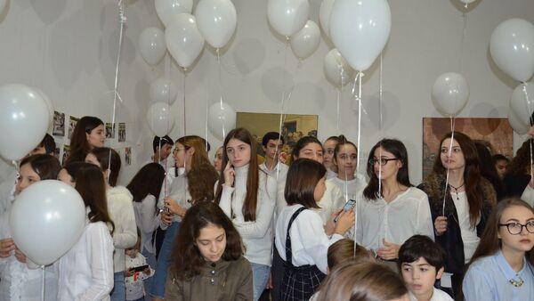 Абхазская молодежь презентовала клип о проблемах в стране - Sputnik Абхазия