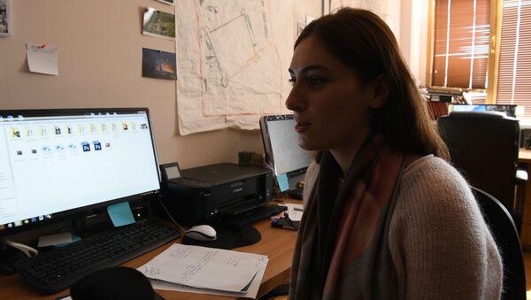 Время живого общения: сухумчане рассказали, как коротают время пока нет света  - Sputnik Абхазия