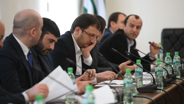 Декларирование доходов и майнинг: какие вопросы обсуждали в Парламенте     - Sputnik Абхазия