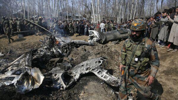 Обломки сбитого индийского самолета, 27 февраля 2019 - Sputnik Абхазия