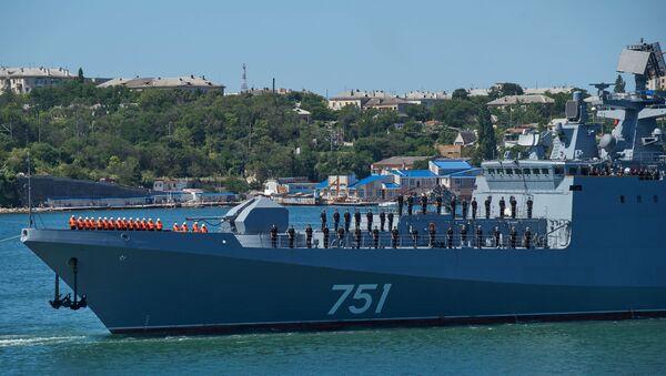 Фрегат Адмирал Эссен прибыл в Севастополь - Sputnik Абхазия