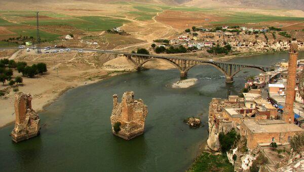 Вид на турецкий город Хасанкейф у реки Тигр  - Sputnik Аҧсны
