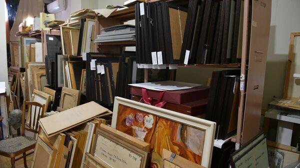 Условия хранения в Национальной картинной галереи Абхазии - Sputnik Абхазия