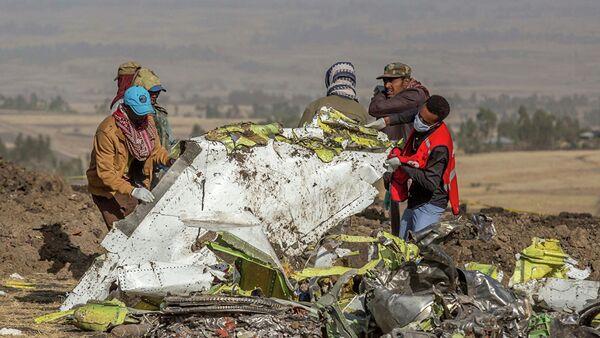 Место крушения пассажирского самолета Boeing 737 Max 8 авиакомпании Ethiopian Airlines в Эфиопии. Архивное фото - Sputnik Абхазия