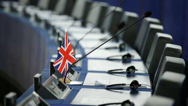 Британский флаг в Европарламенте - Sputnik Абхазия