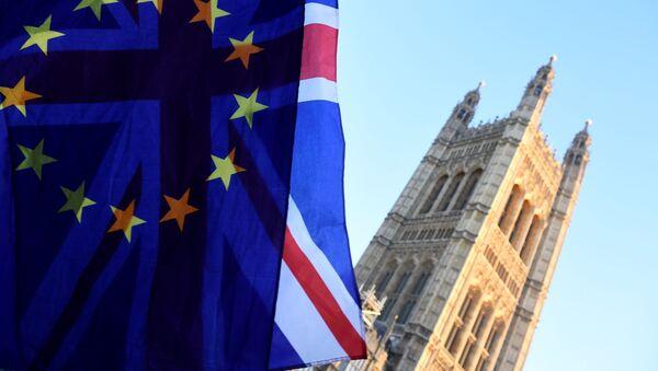 Флаги ЕС и Британии в Лондоне - Sputnik Аҧсны